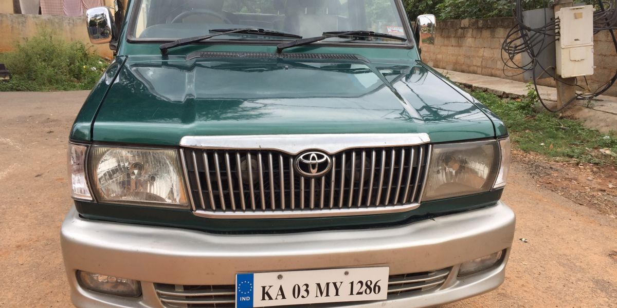 Used Toyota Qualis Rs E3 Diesel 2003 Diesel Variant In Bangalore